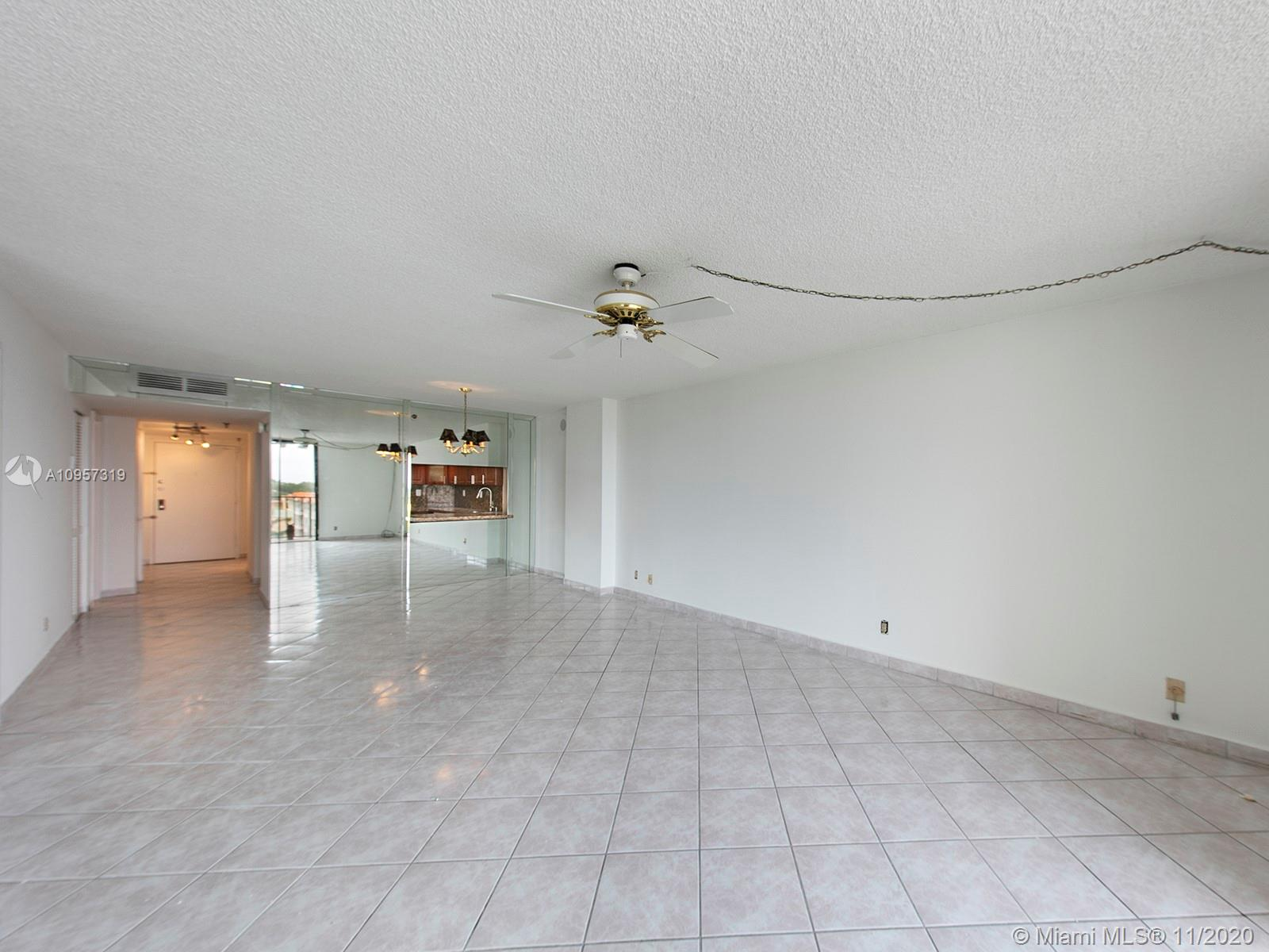 2625 Collins Ave #609 photo06
