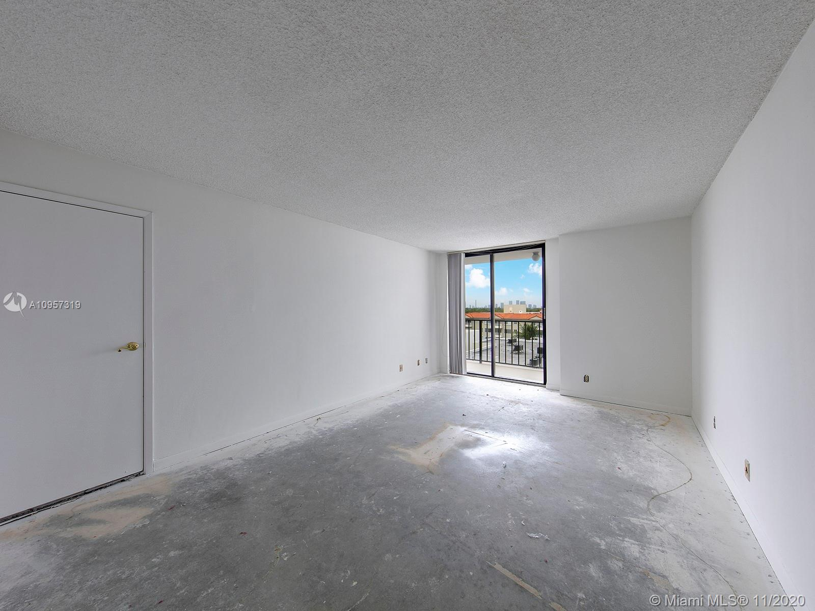 2625 Collins Ave #609 photo07