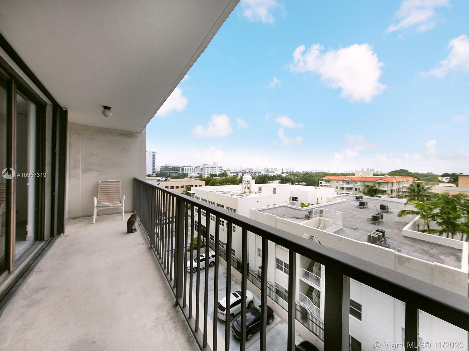 2625 Collins Ave #609 photo05