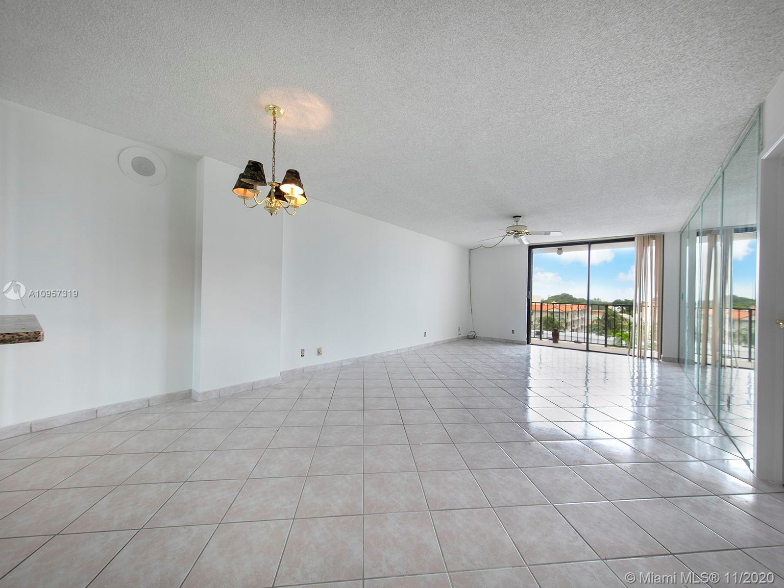 2625 Collins Ave #609 photo04