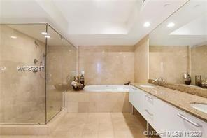 17201 Collins Ave #1003 photo011