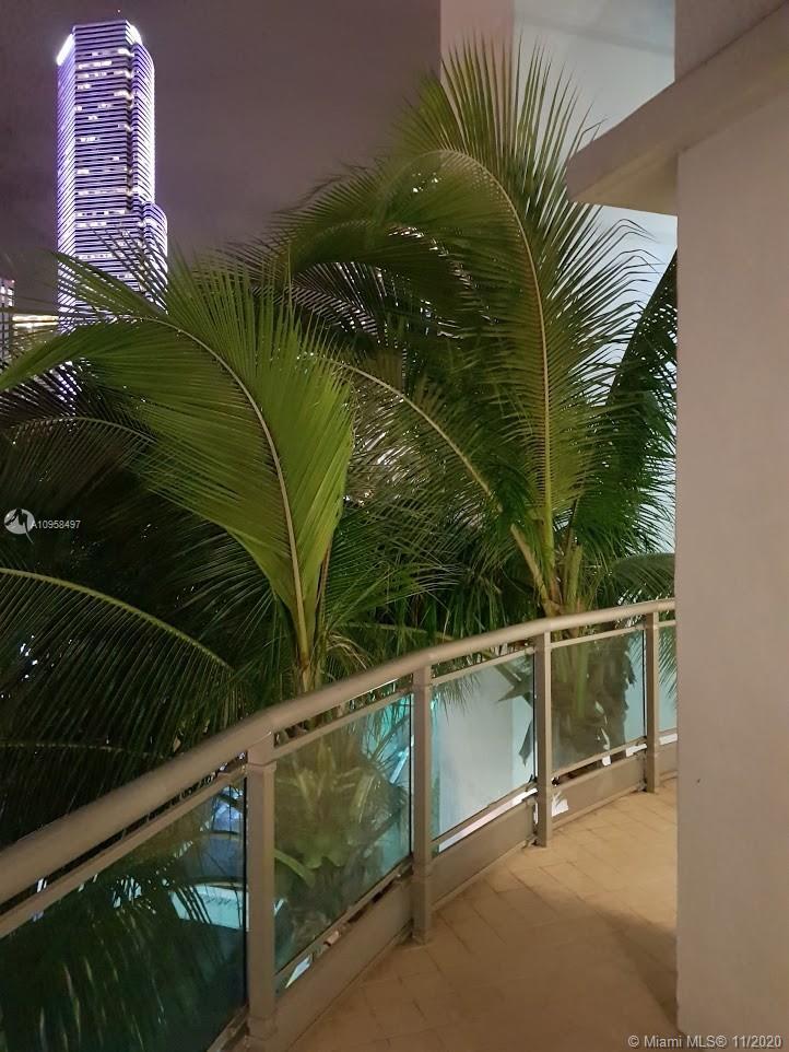 350 S Miami Ave #313 photo016
