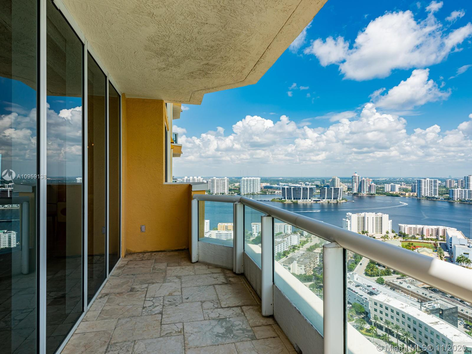 17875 Collins Ave #3801 photo022