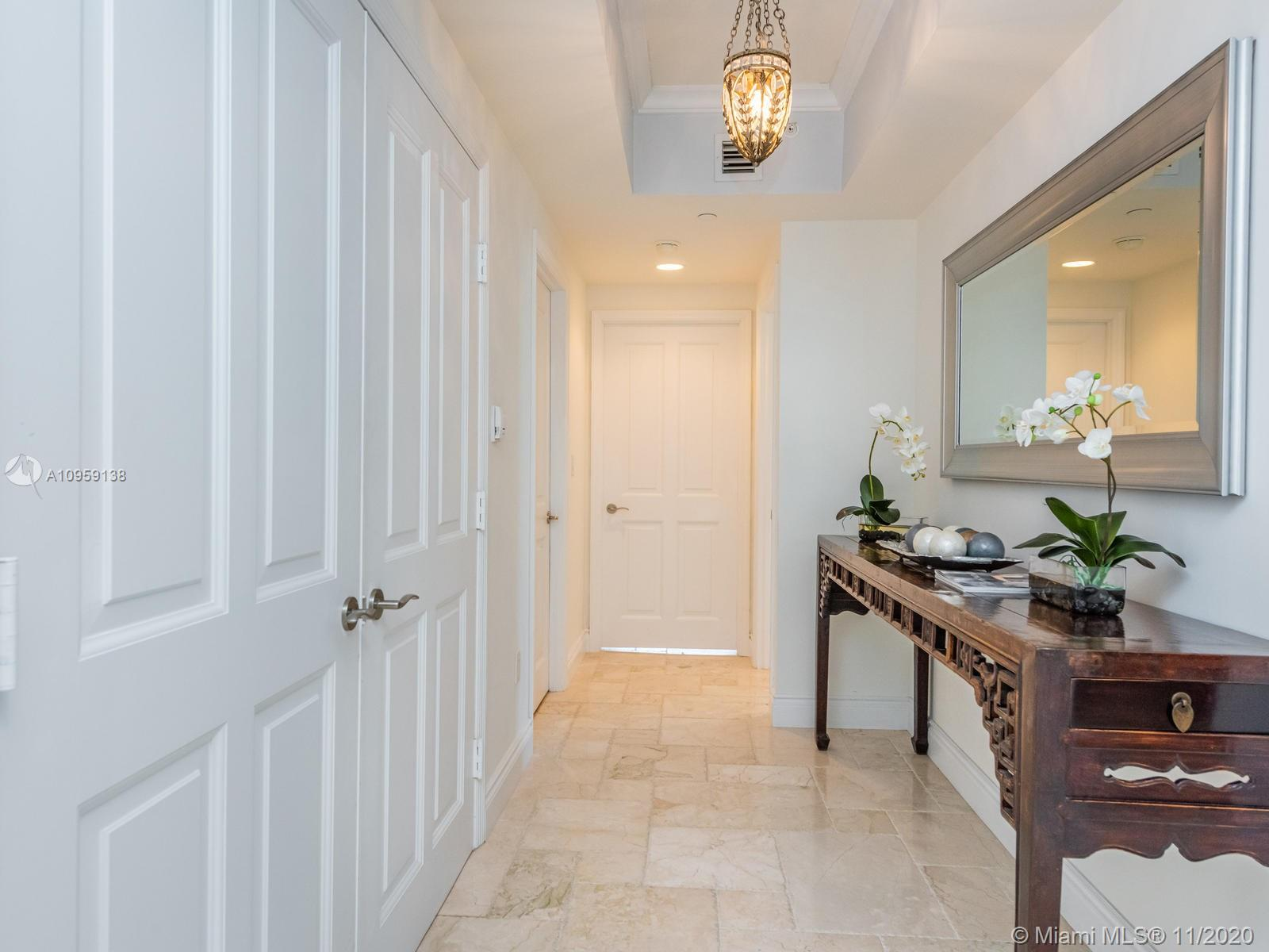 17875 Collins Ave #3801 photo07