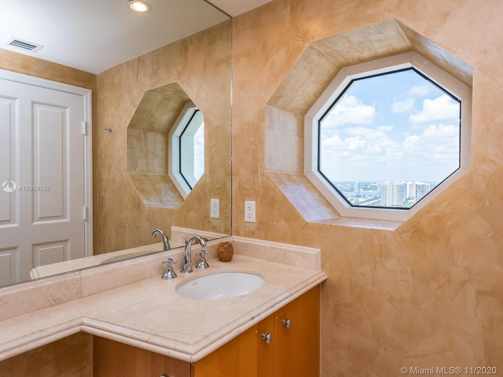 17875 Collins Ave #3801 photo032