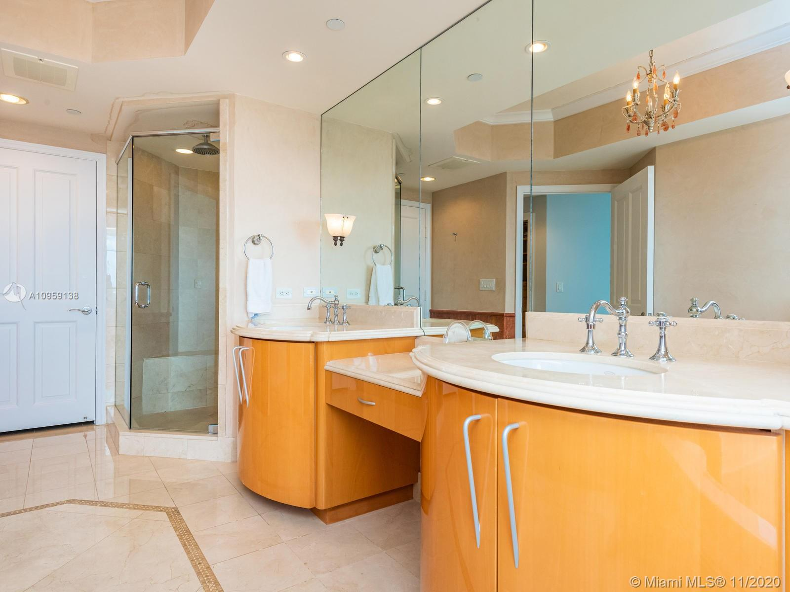 17875 Collins Ave #3801 photo028