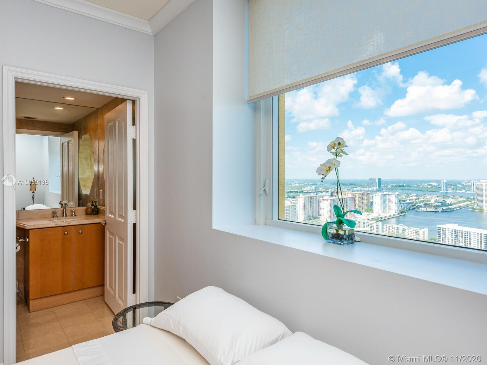 17875 Collins Ave #3801 photo030