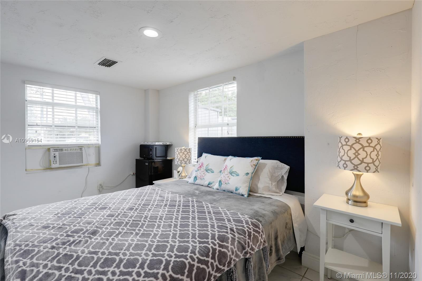 1825 NE 171st St, North Miami Beach, Florida 33162, 4 Bedrooms Bedrooms, ,2 BathroomsBathrooms,Residential,For Sale,1825 NE 171st St,A10959154