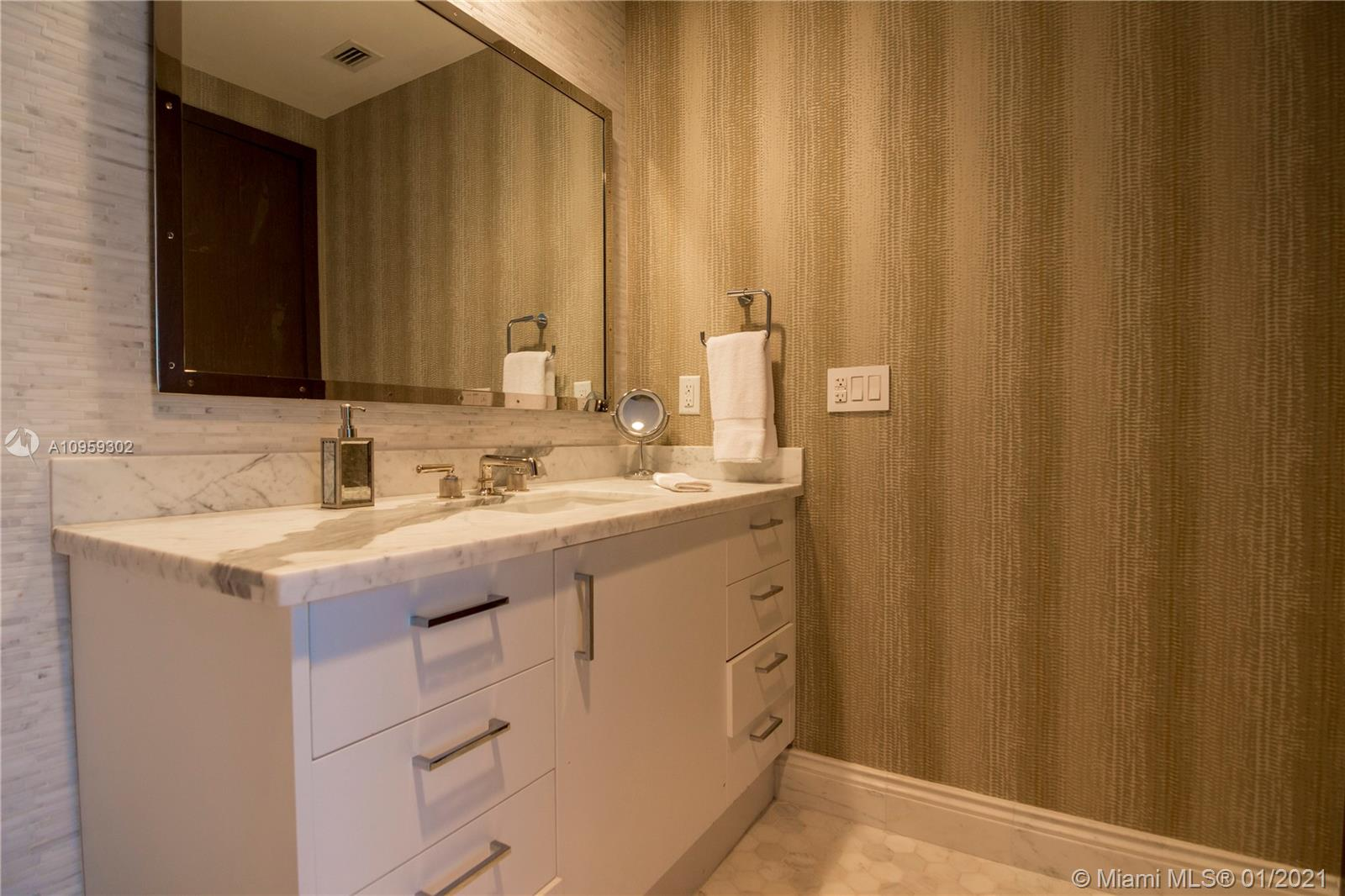 5959 Collins Ave #1201 photo019