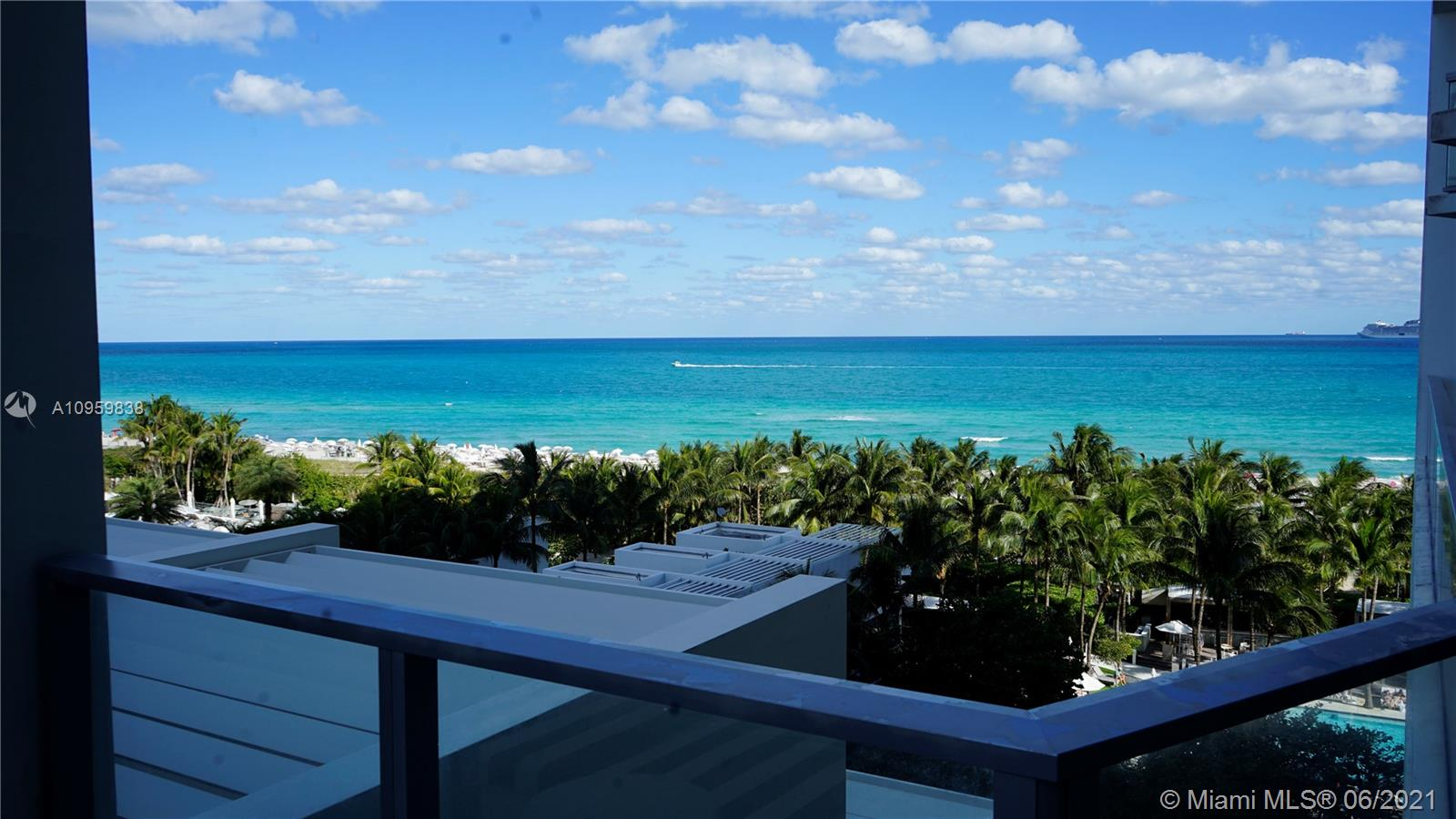 2201 Collins Ave #711 photo032