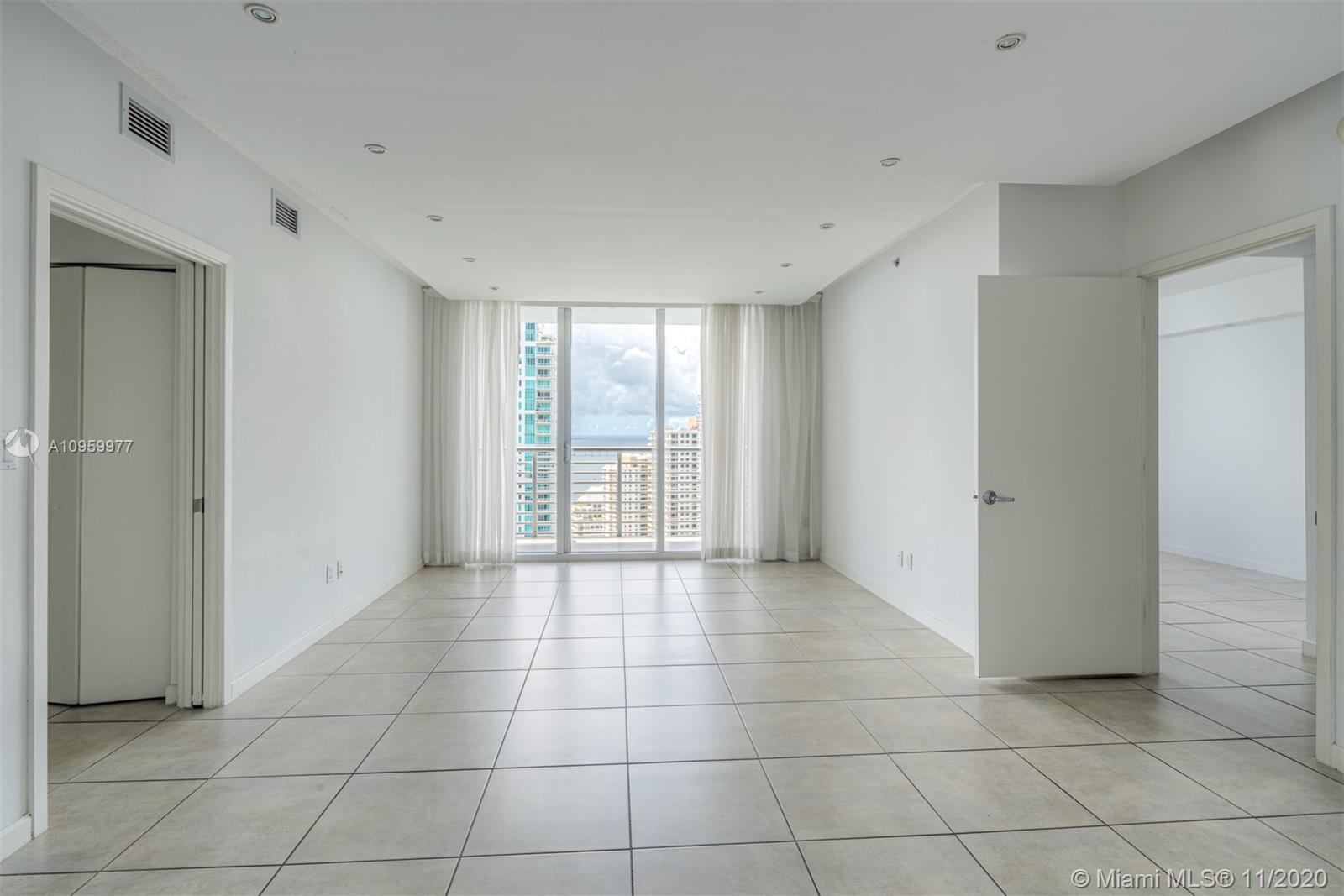 One Miami #3519 photo05