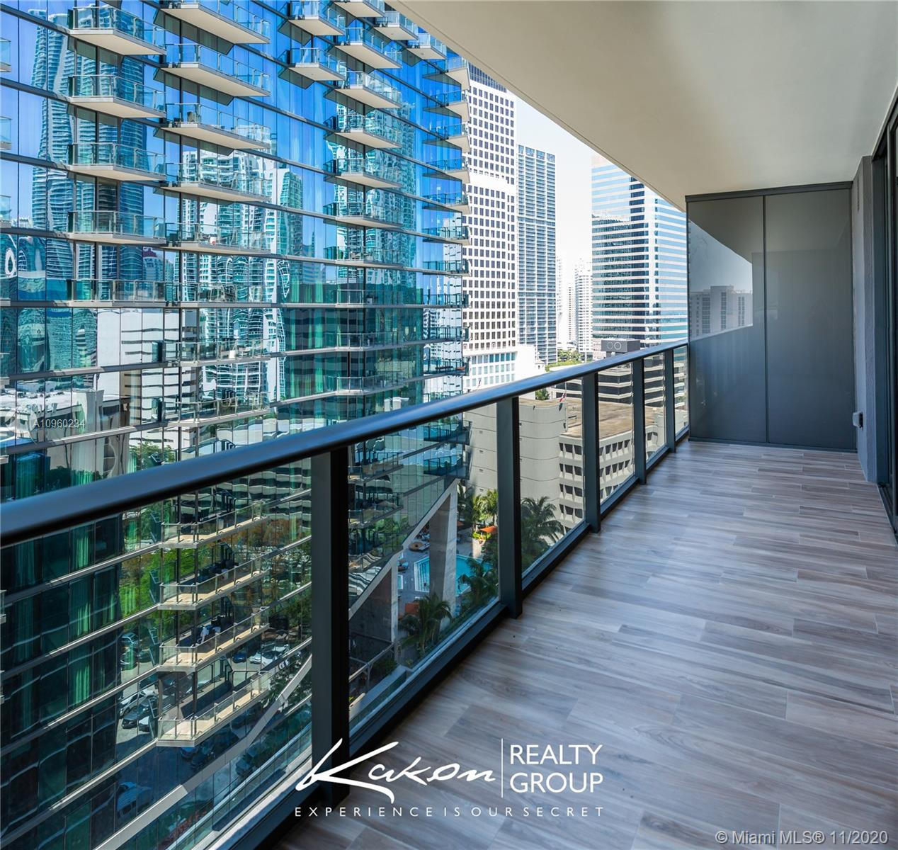 SLS Lux Brickell #2507 photo08