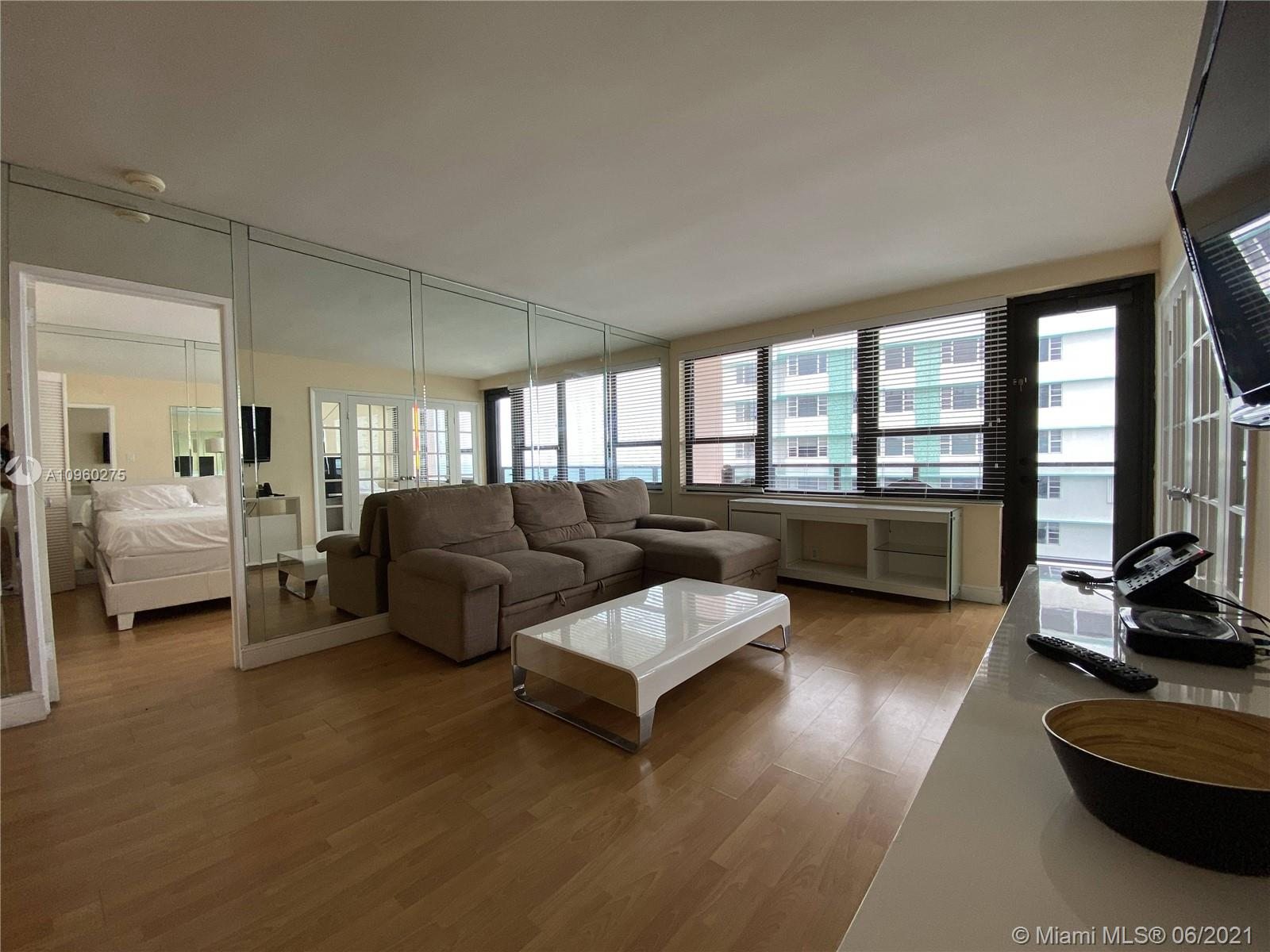5225 Collins Ave #1608 photo07
