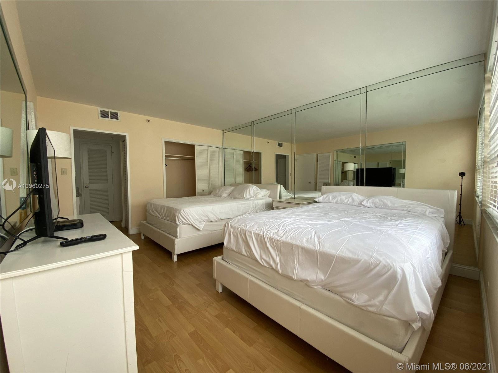 5225 Collins Ave #1608 photo020