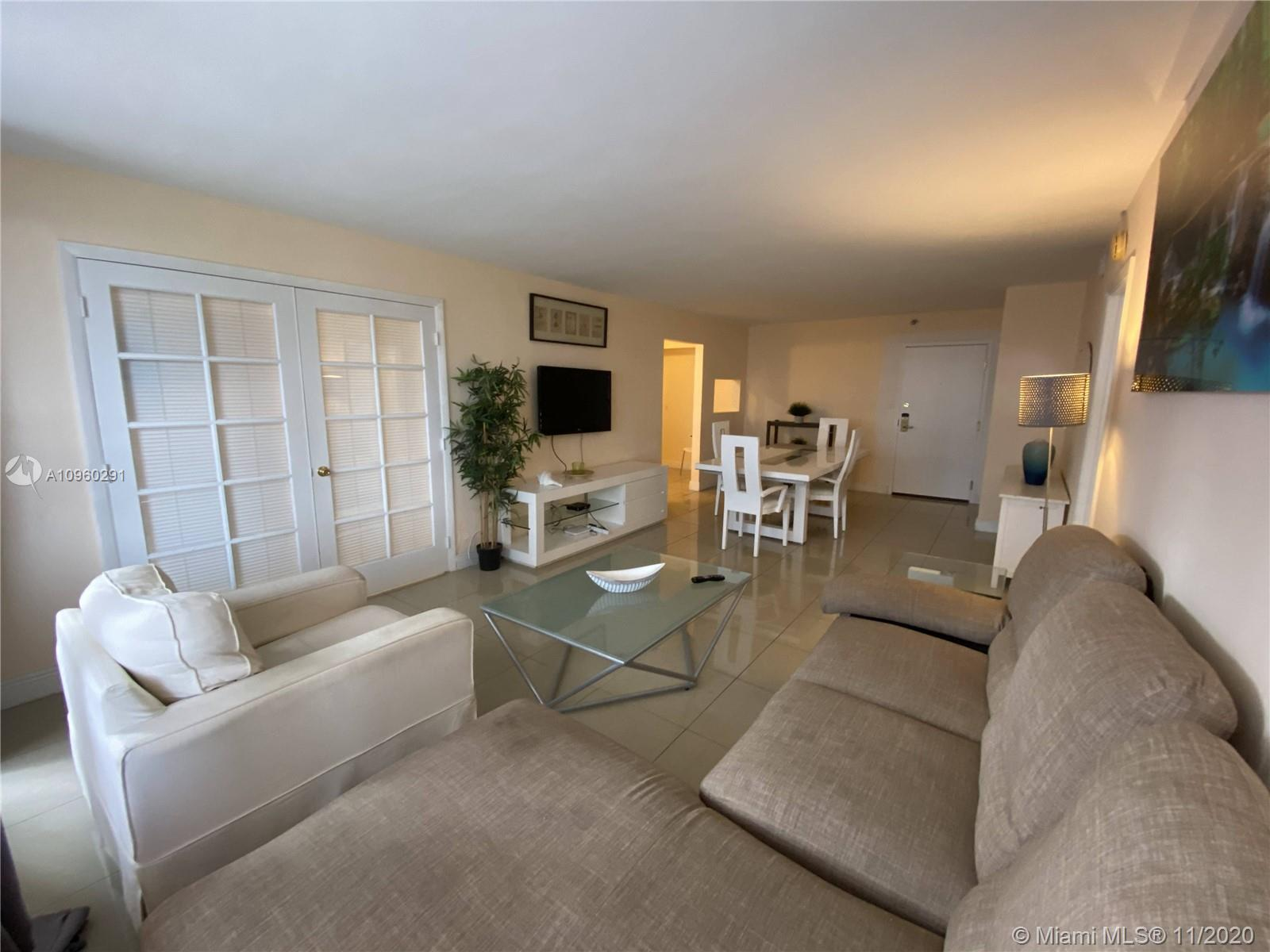 5225 Collins Ave #411 photo05