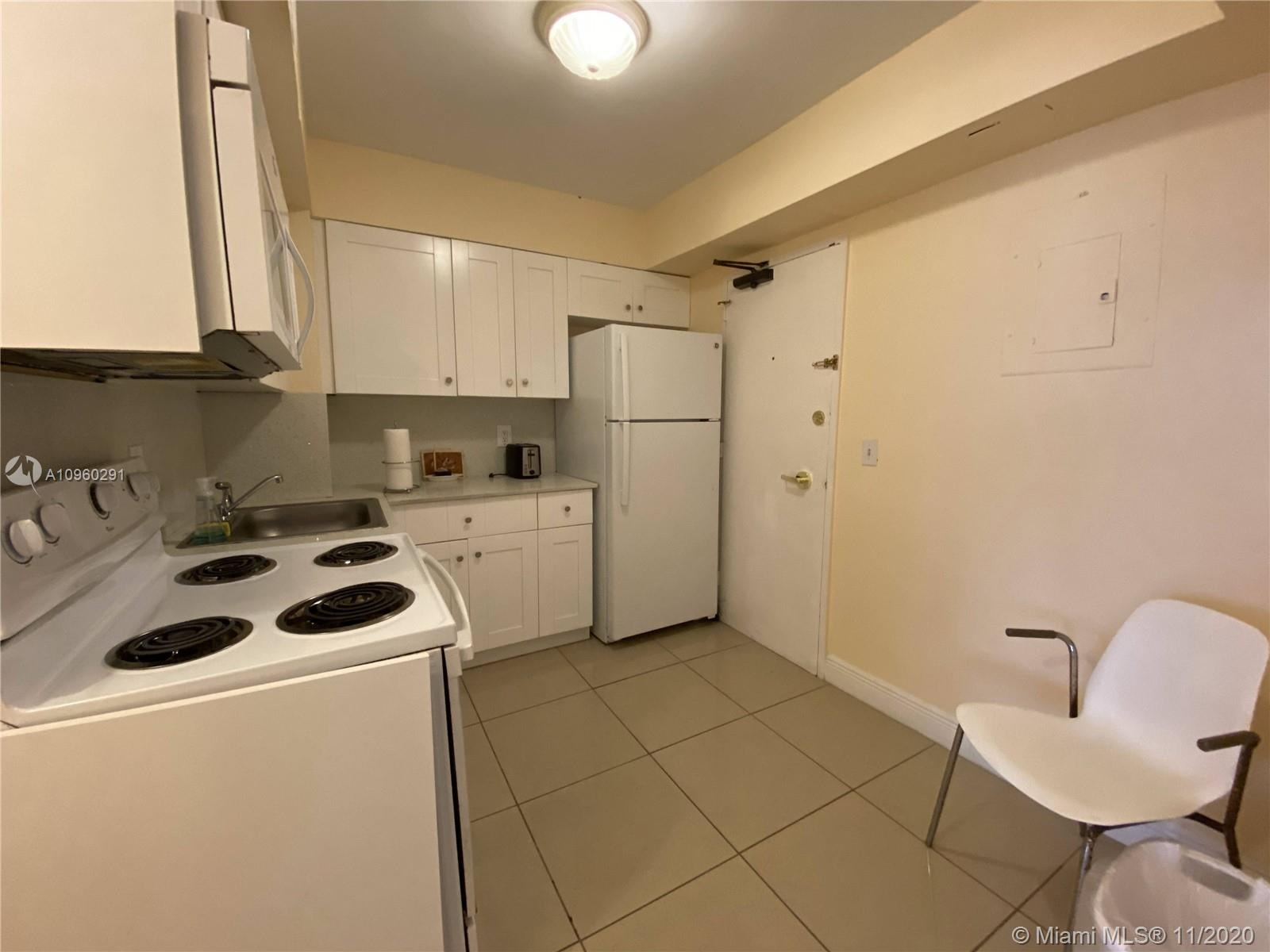 5225 Collins Ave #411 photo09