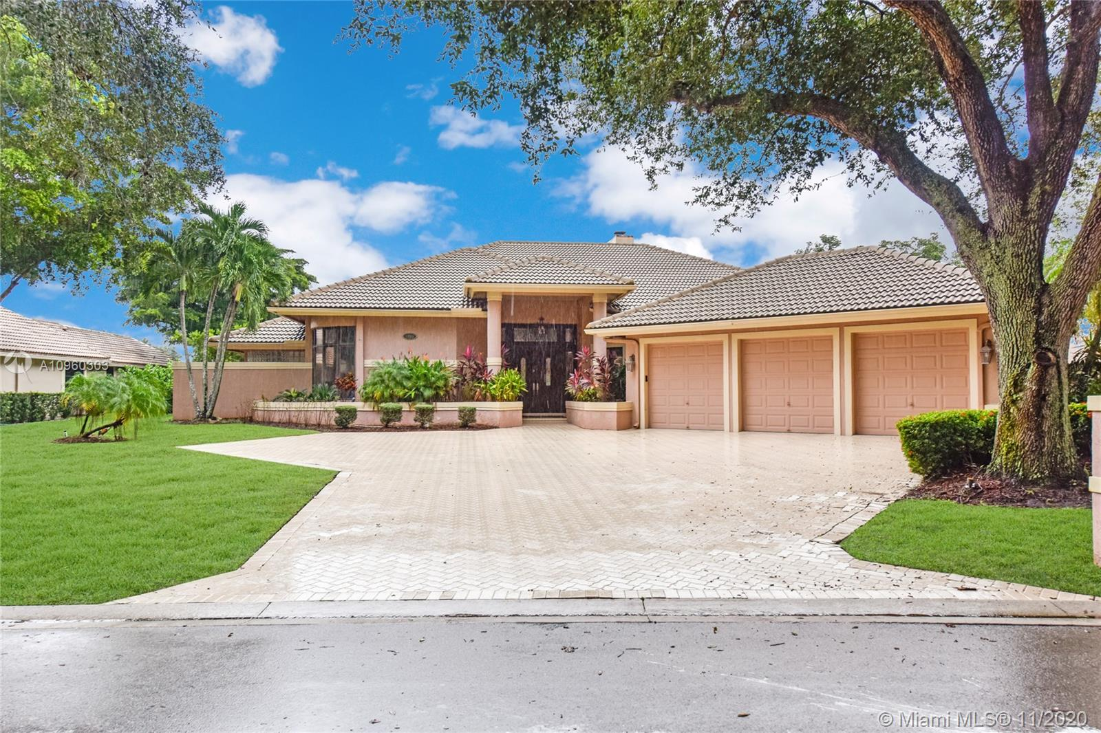 Property for sale at 1755 Eagle Trace Blvd, Coral Springs,  Florida 33071