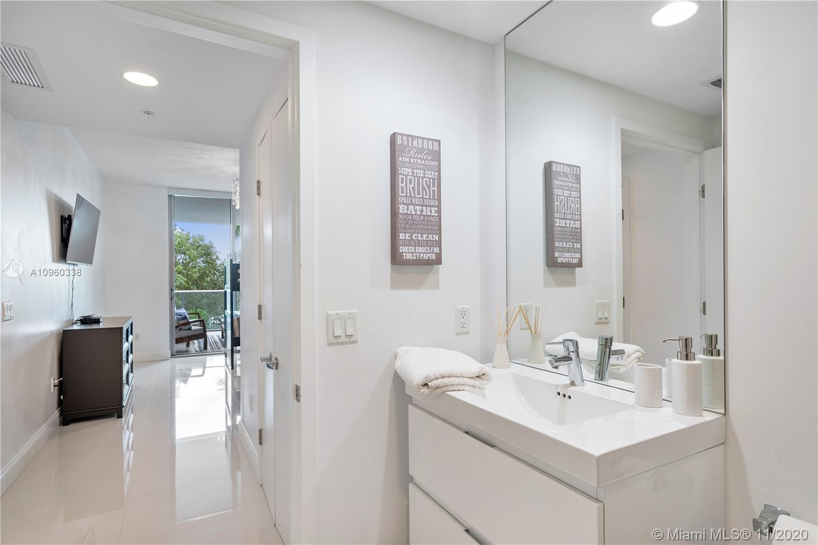 17301 Biscayne Blvd #208 photo012