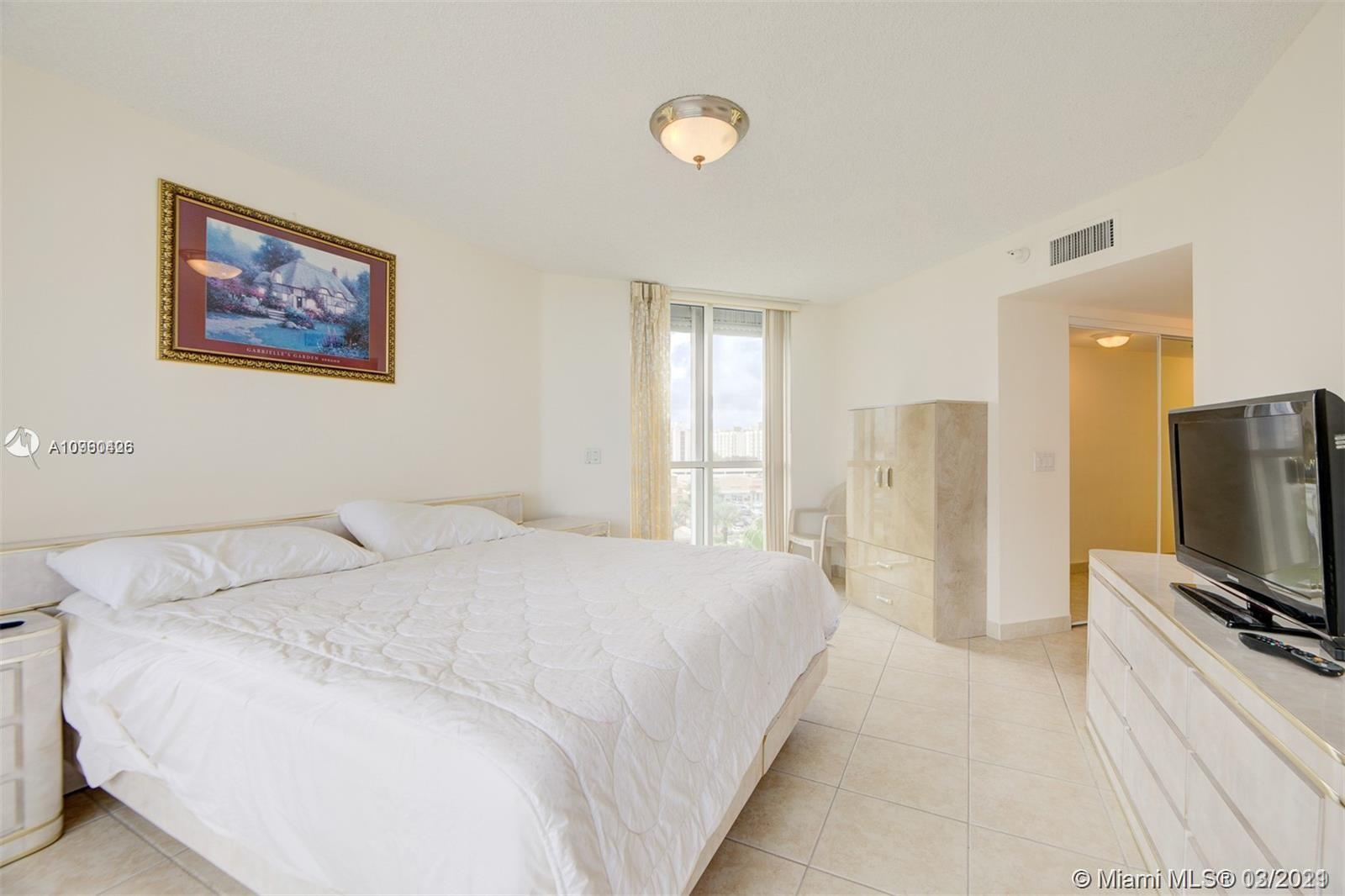 16711 Collins Ave #701 photo017