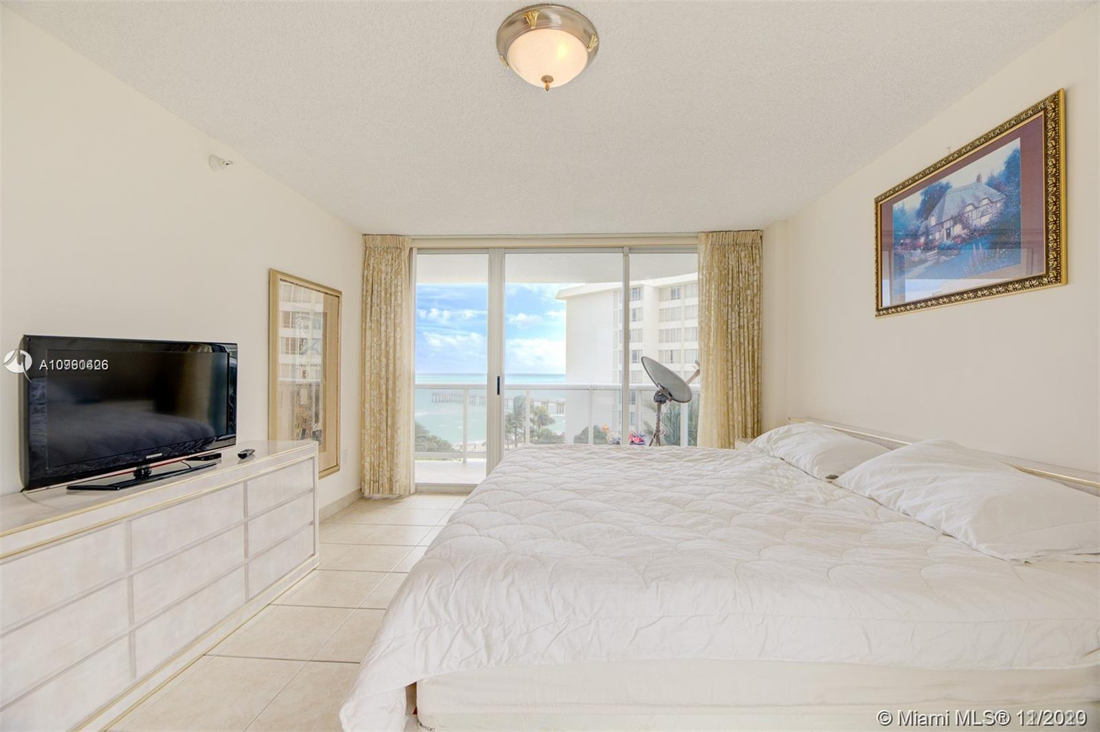 16711 Collins Ave #701 photo016