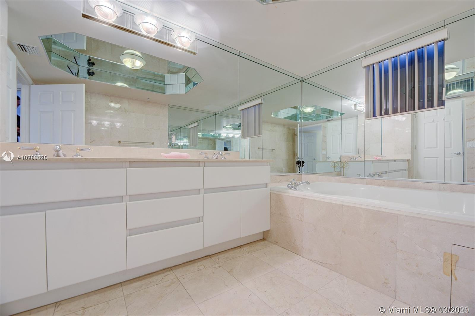 16711 Collins Ave #701 photo020