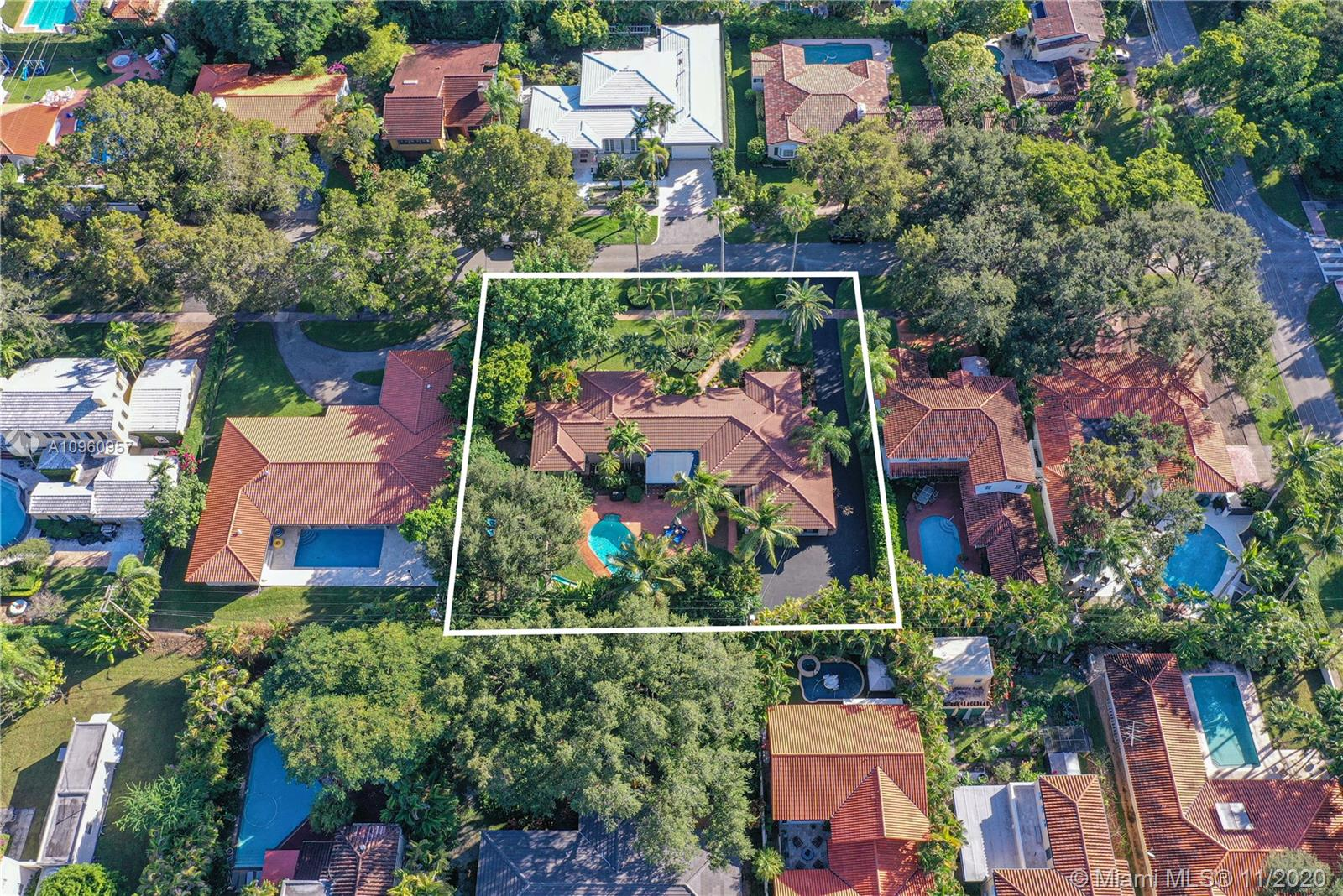 1037 Malaga Ave, Coral Gables, Florida 33134, 3 Bedrooms Bedrooms, ,4 BathroomsBathrooms,Residential,For Sale,1037 Malaga Ave,A10960957