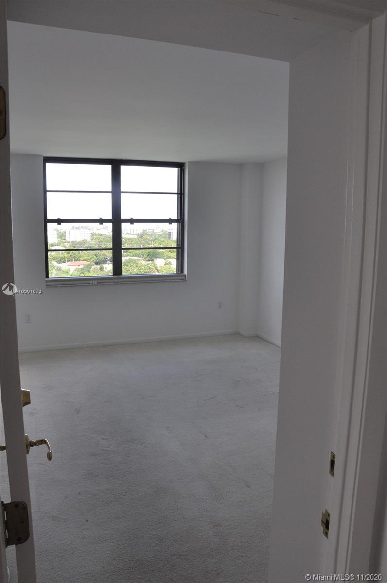 2333 Brickell Ave #1616 photo012