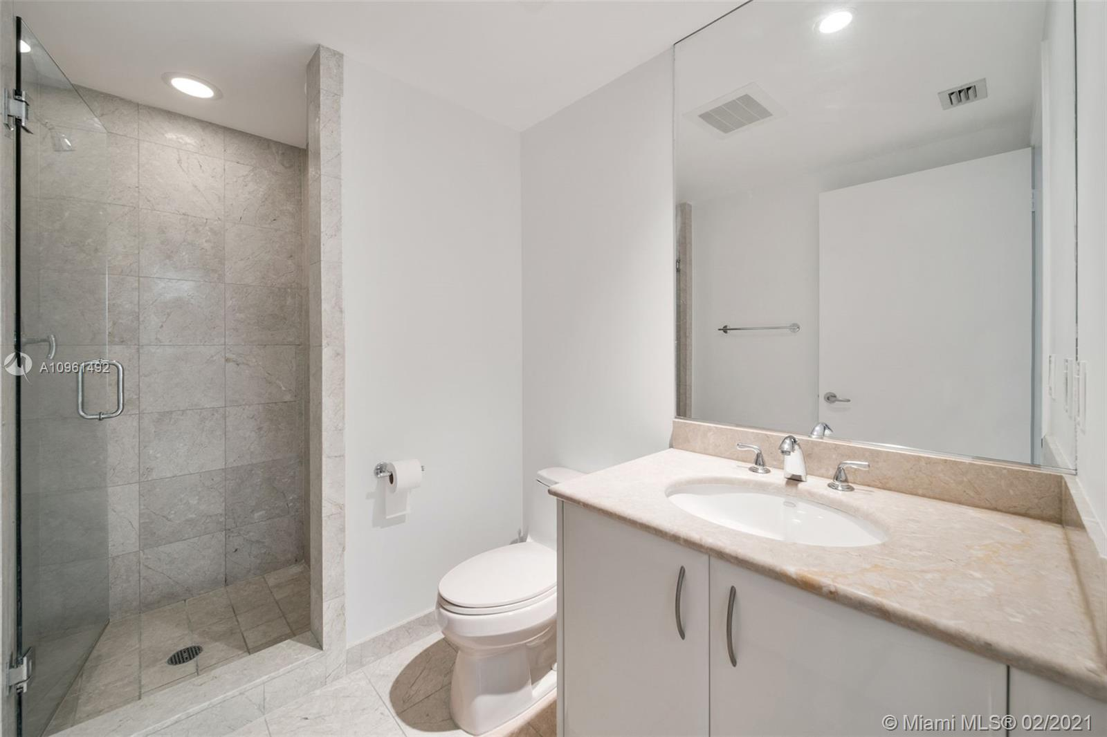 1331 Brickell Bay Dr #208 photo020