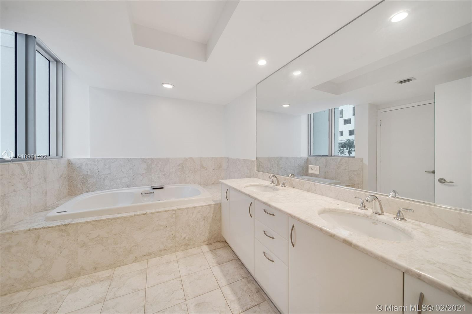 1331 Brickell Bay Dr #208 photo014
