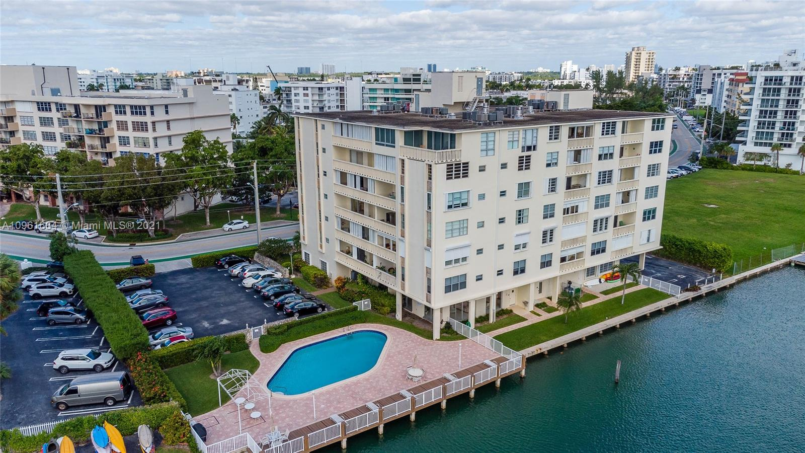 9111 E Bay Harbor Dr #3C photo033