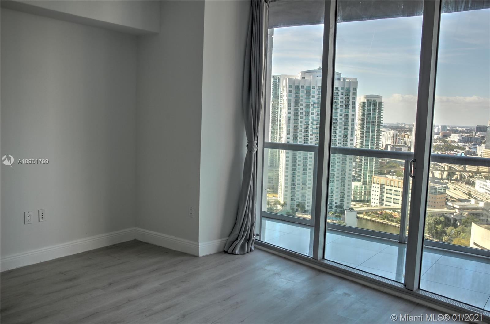 465 Brickell Ave #3206 photo05