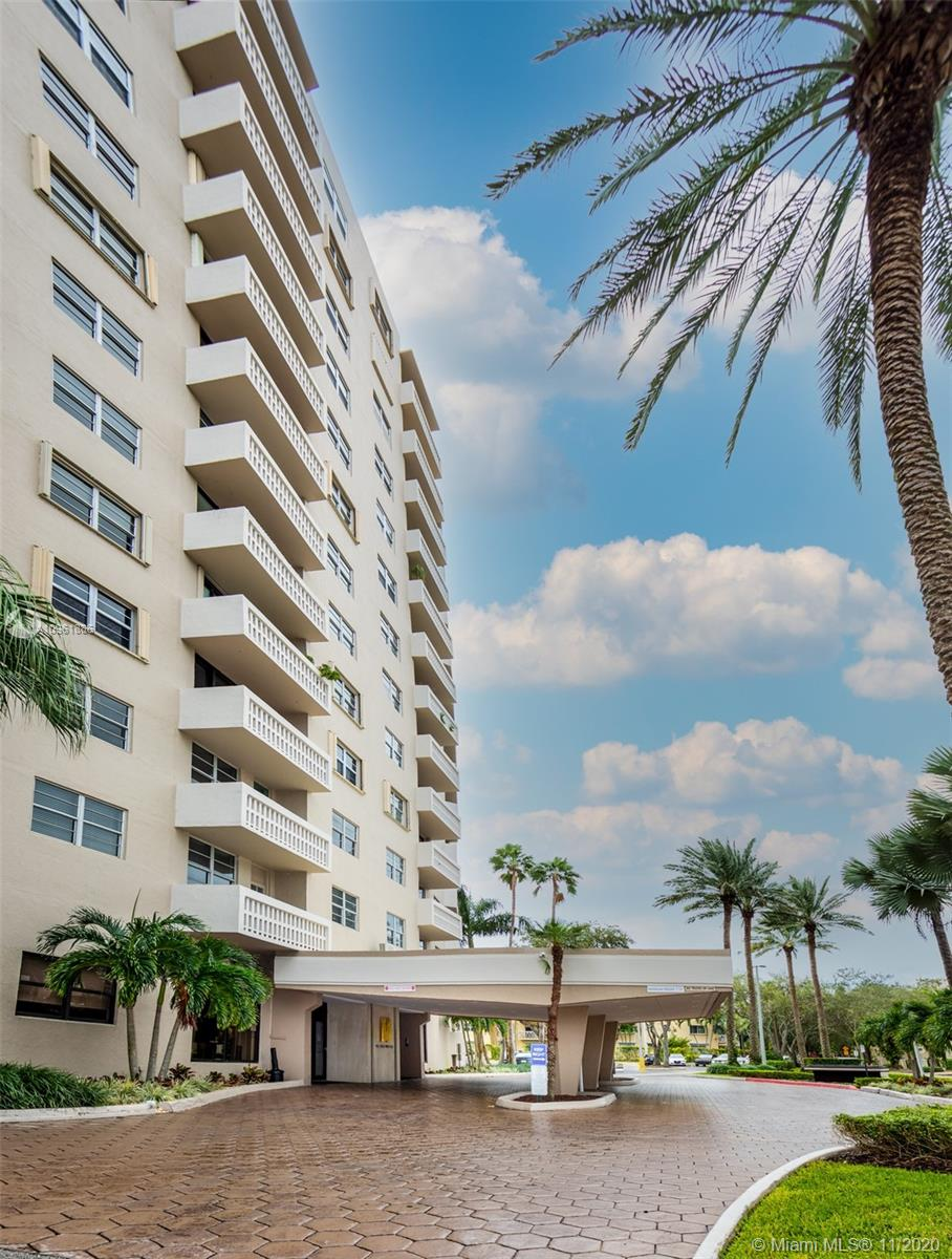 Gables Waterway #215 - 90 Edgewater Dr #215, Coral Gables, FL 33133