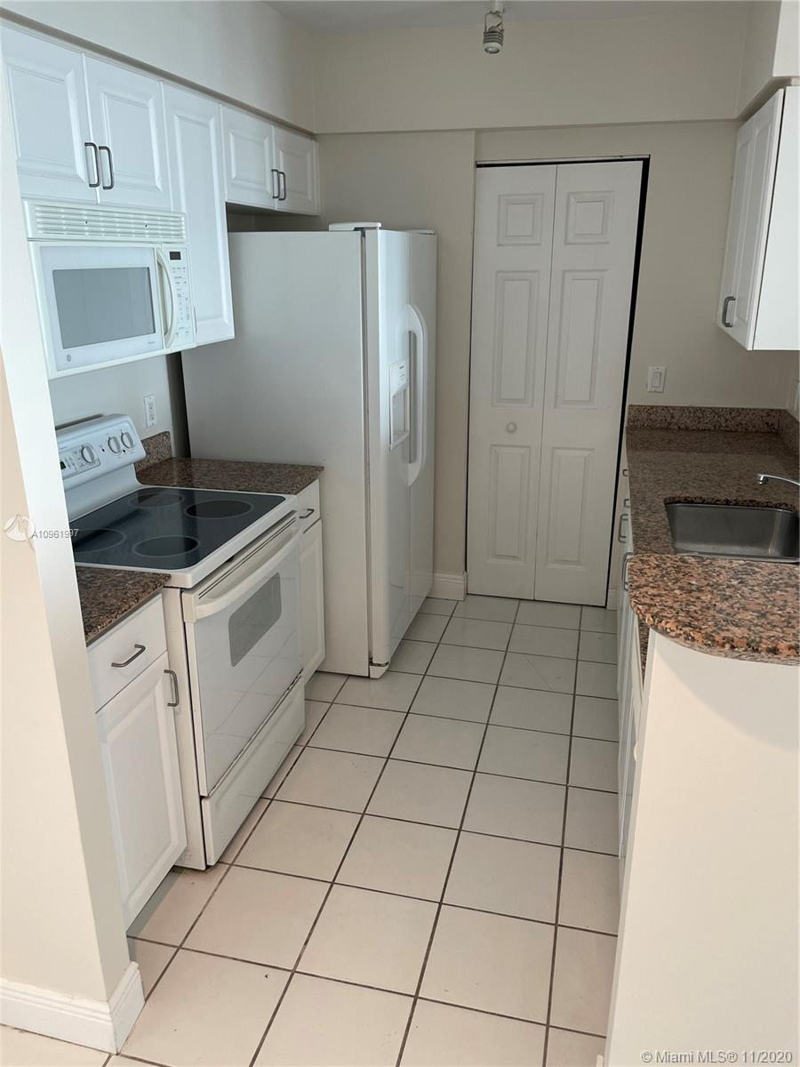 1155 Brickell Bay Dr #3207 photo022