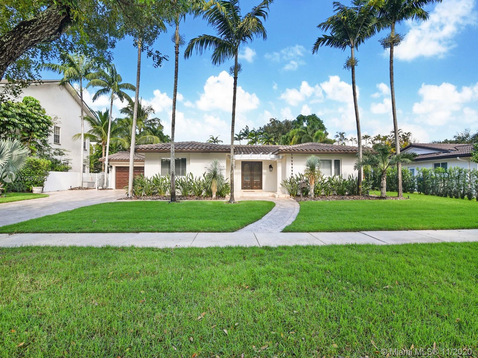 Miami Lakes - 7225 S Prestwick Pl, Miami Lakes, FL 33014