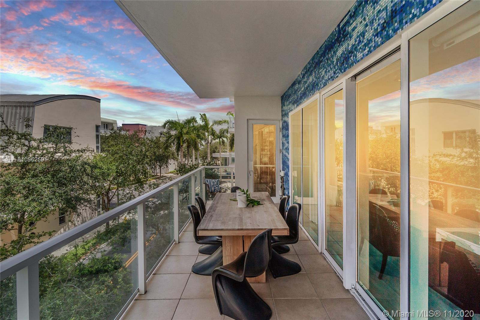 Photo of 6103 Aqua Ave #305 listing for Sale
