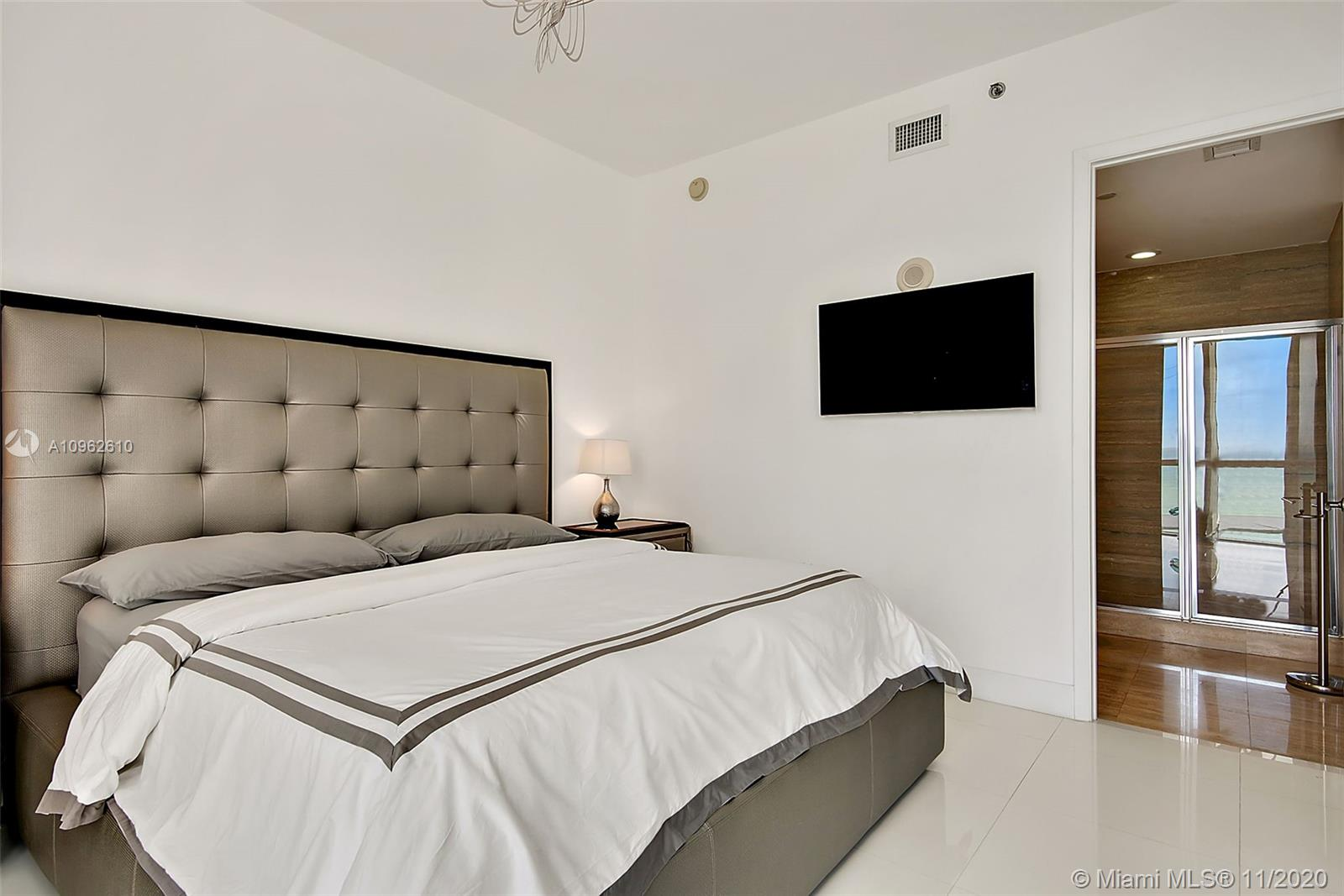 15811 Collins Ave #504 photo014
