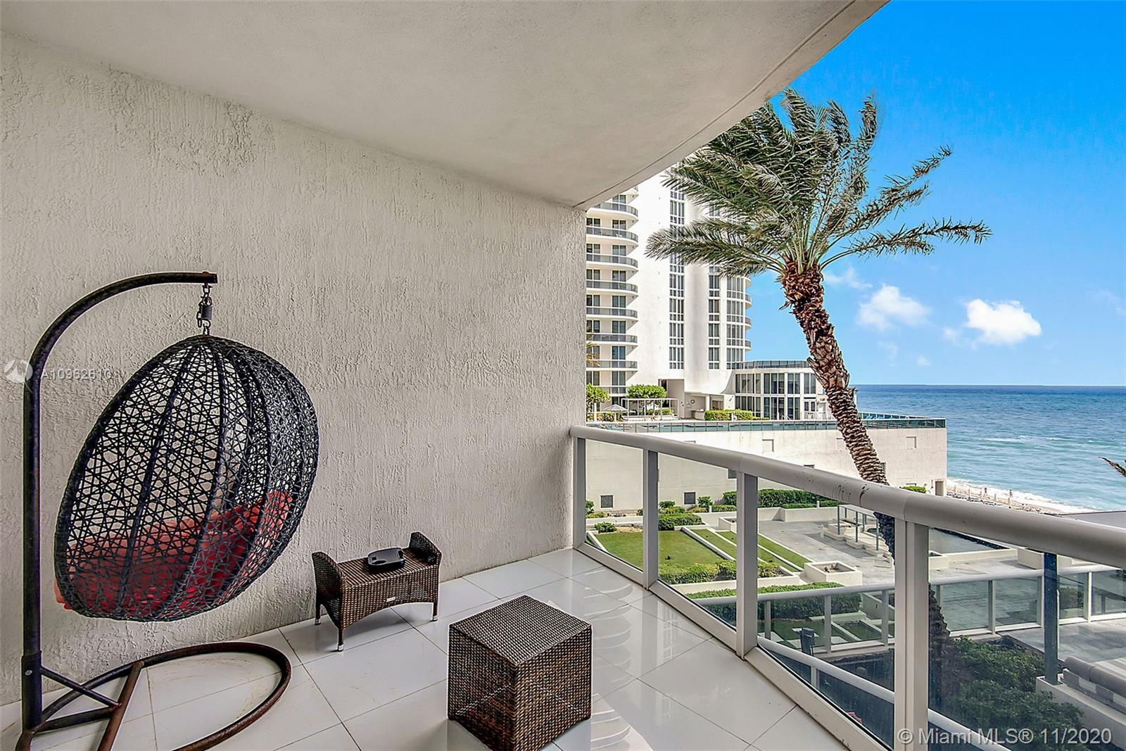 15811 Collins Ave #504 photo08