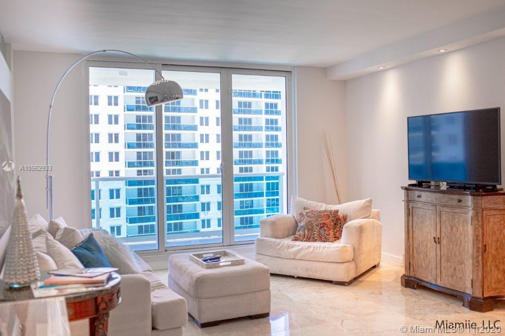 Roney Palace #1117 - 2301 Collins Ave #1117, Miami Beach, FL 33139