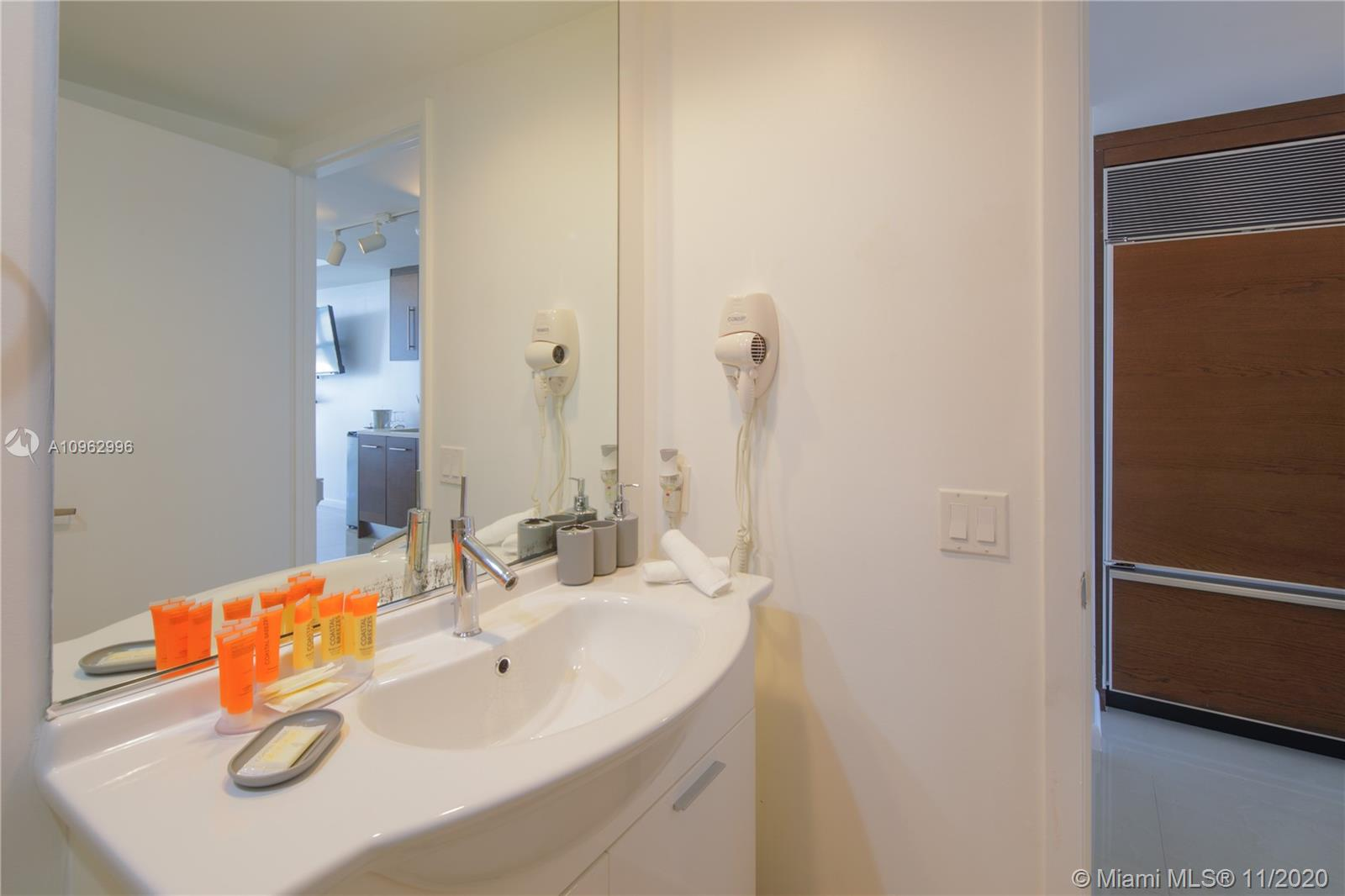 485 Brickell Ave #1705 photo013
