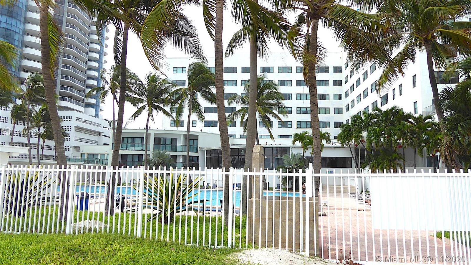 6345 Collins Ave #600