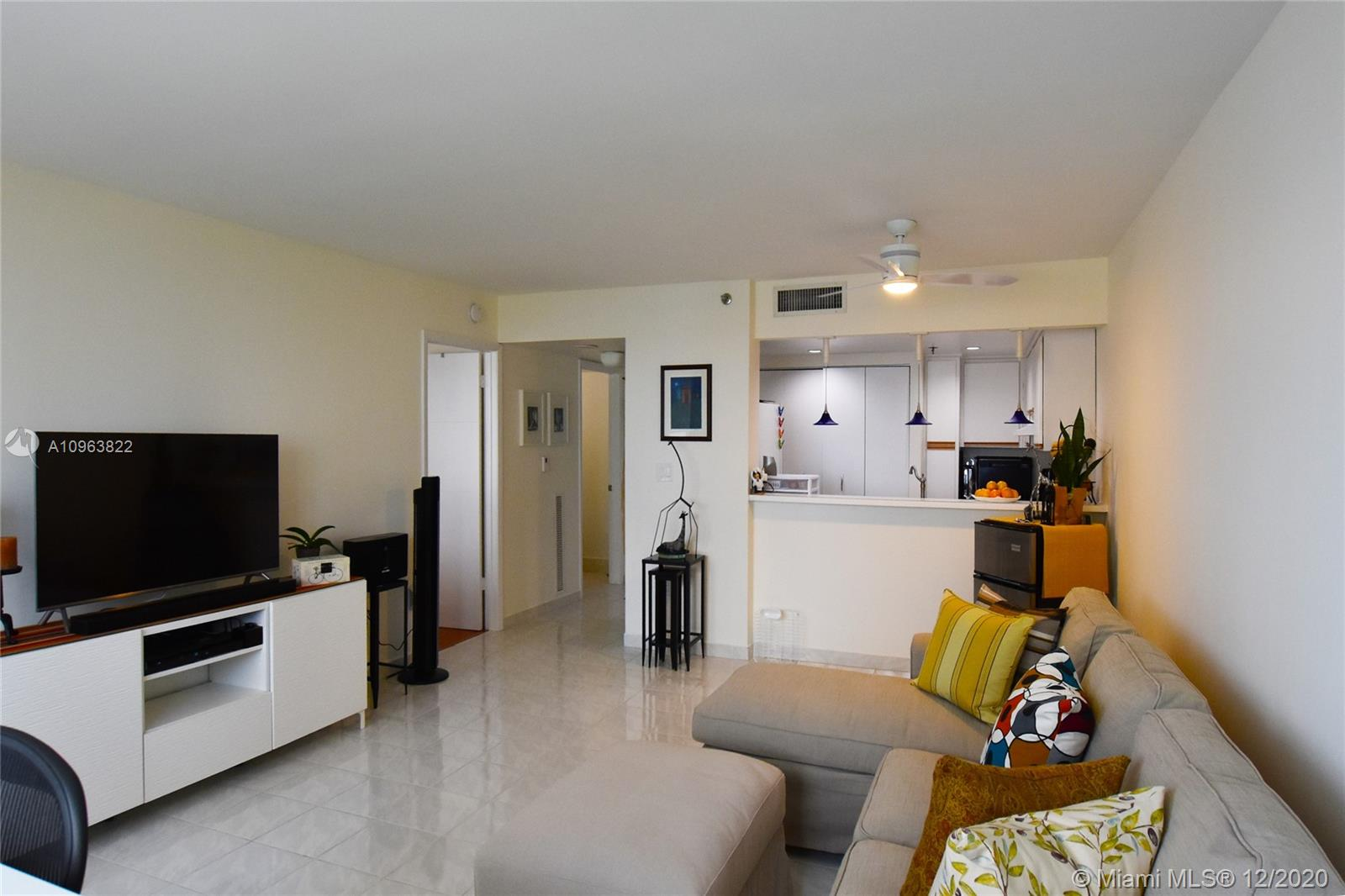 540 Brickell Key Dr #1422 photo06
