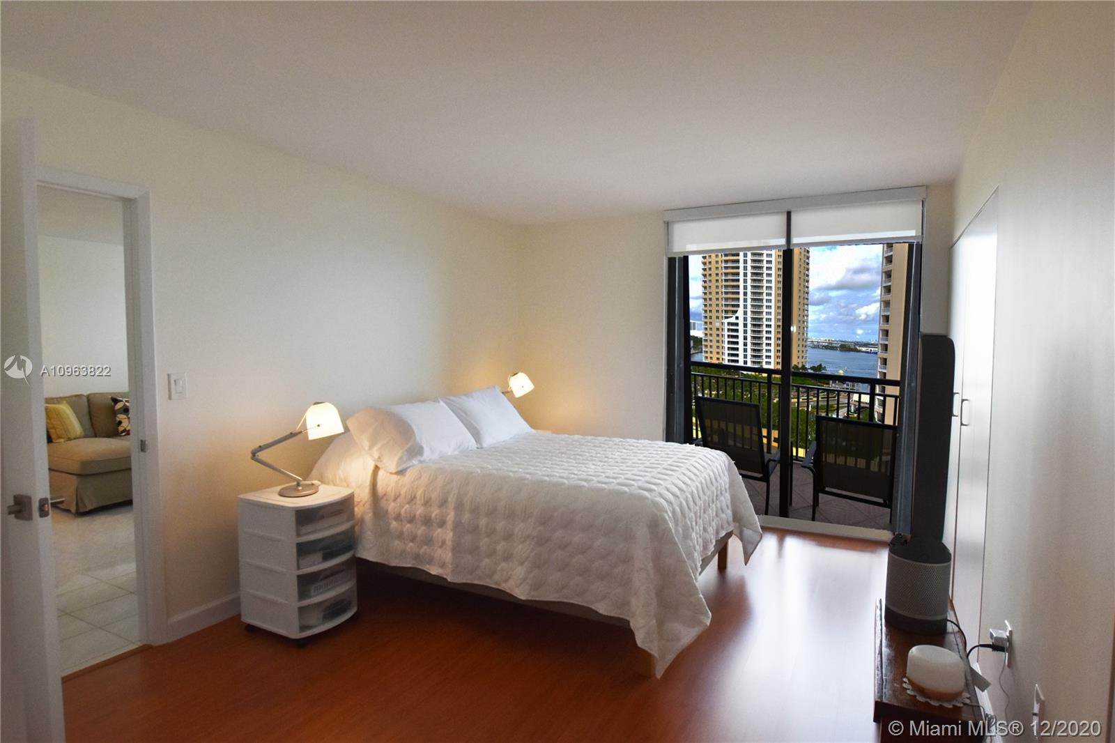 540 Brickell Key Dr #1422 photo017