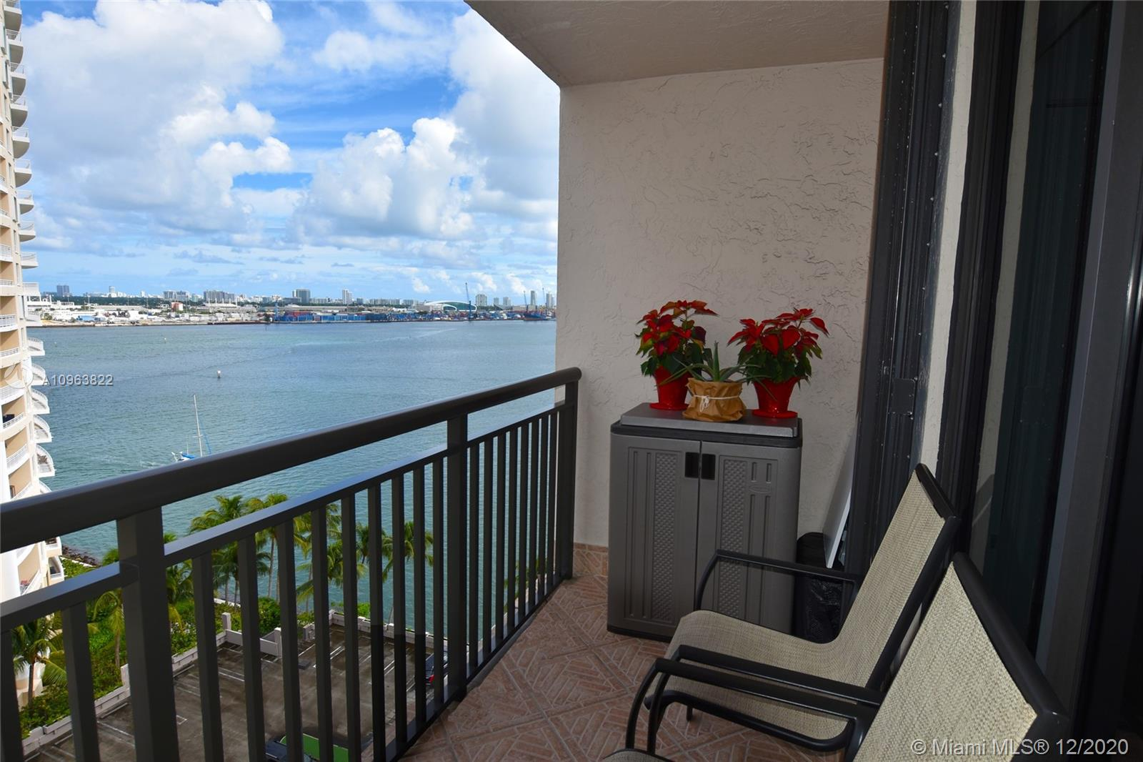 540 Brickell Key Dr #1422 photo018