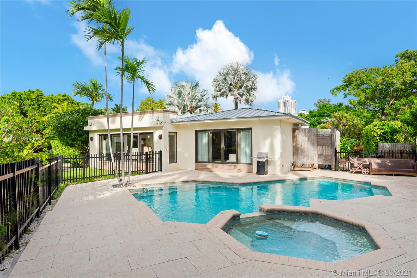 Beach View - 6120 La Gorce Dr, Miami Beach, FL 33140