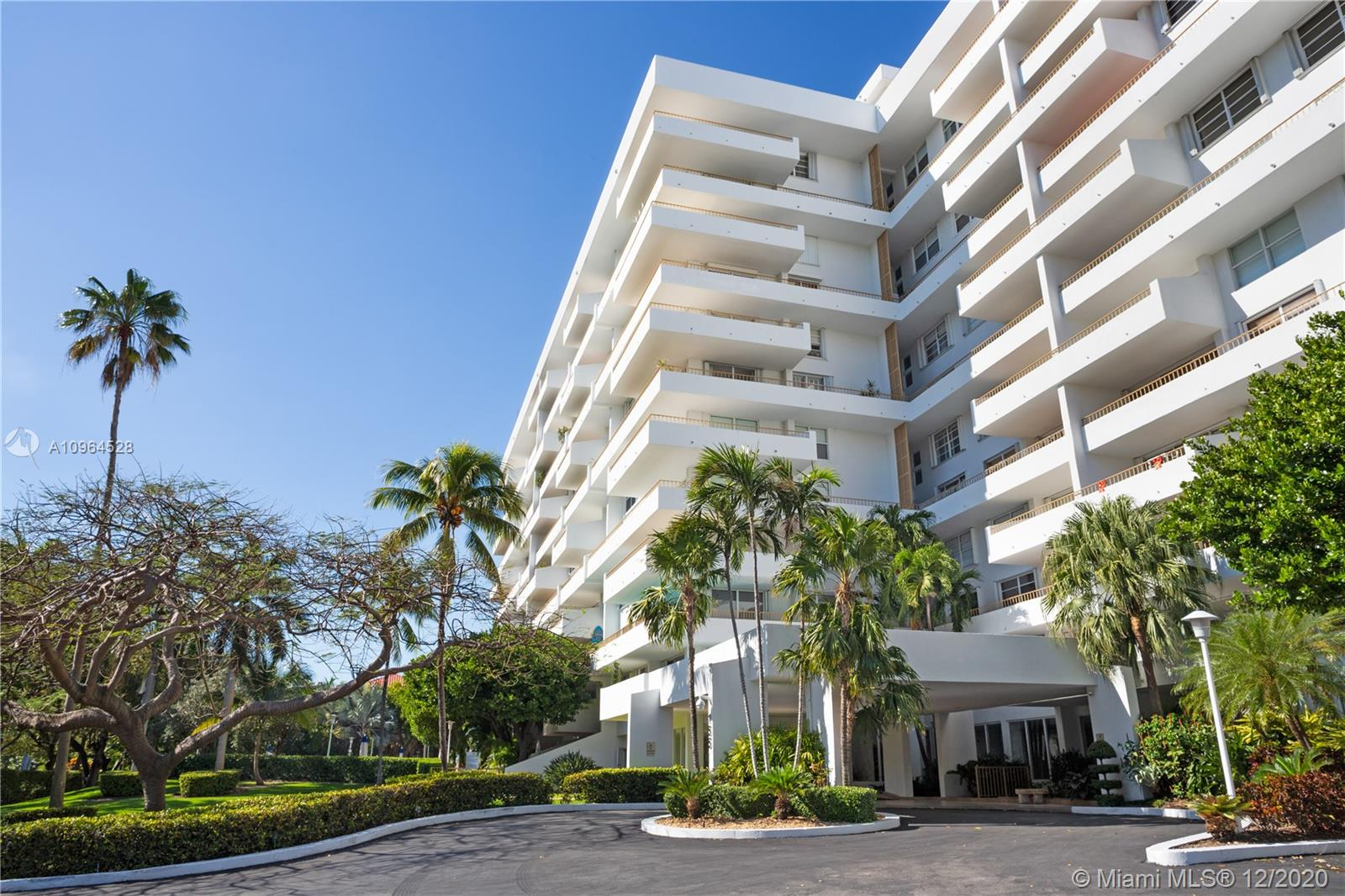 Commodore Club West #210 - 155 Ocean Lane Dr #210, Key Biscayne, FL 33149