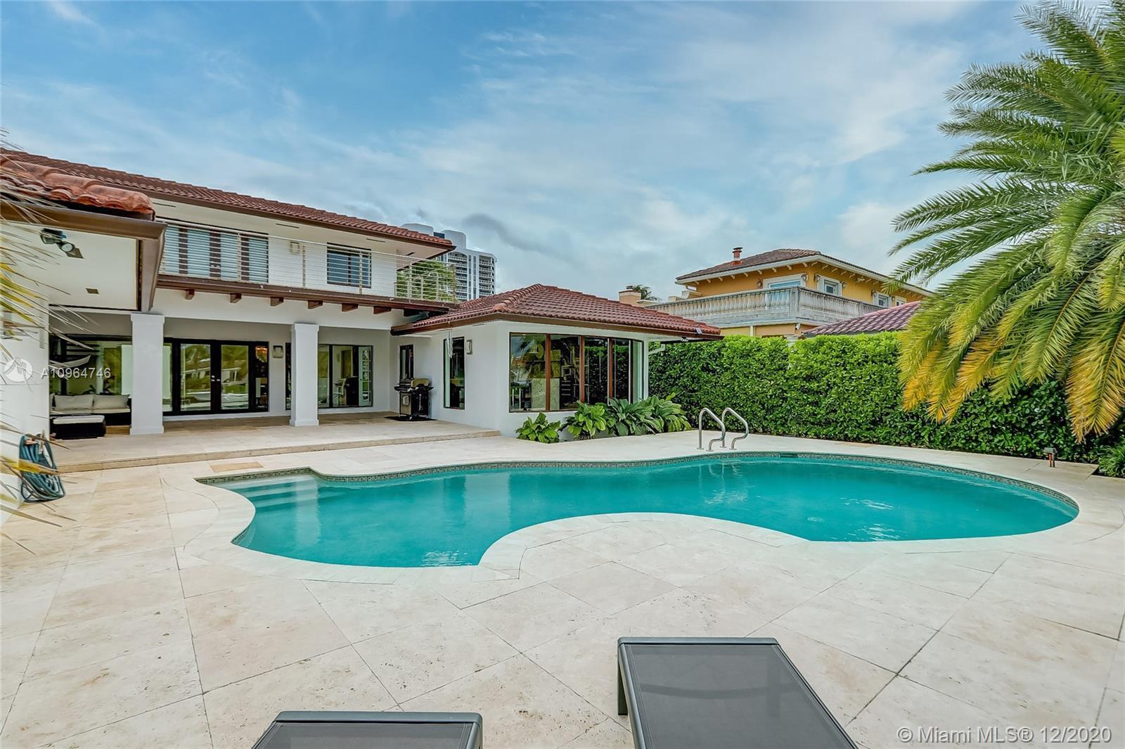 Golden Isles - 418 Holiday Dr, Hallandale Beach, FL 33009