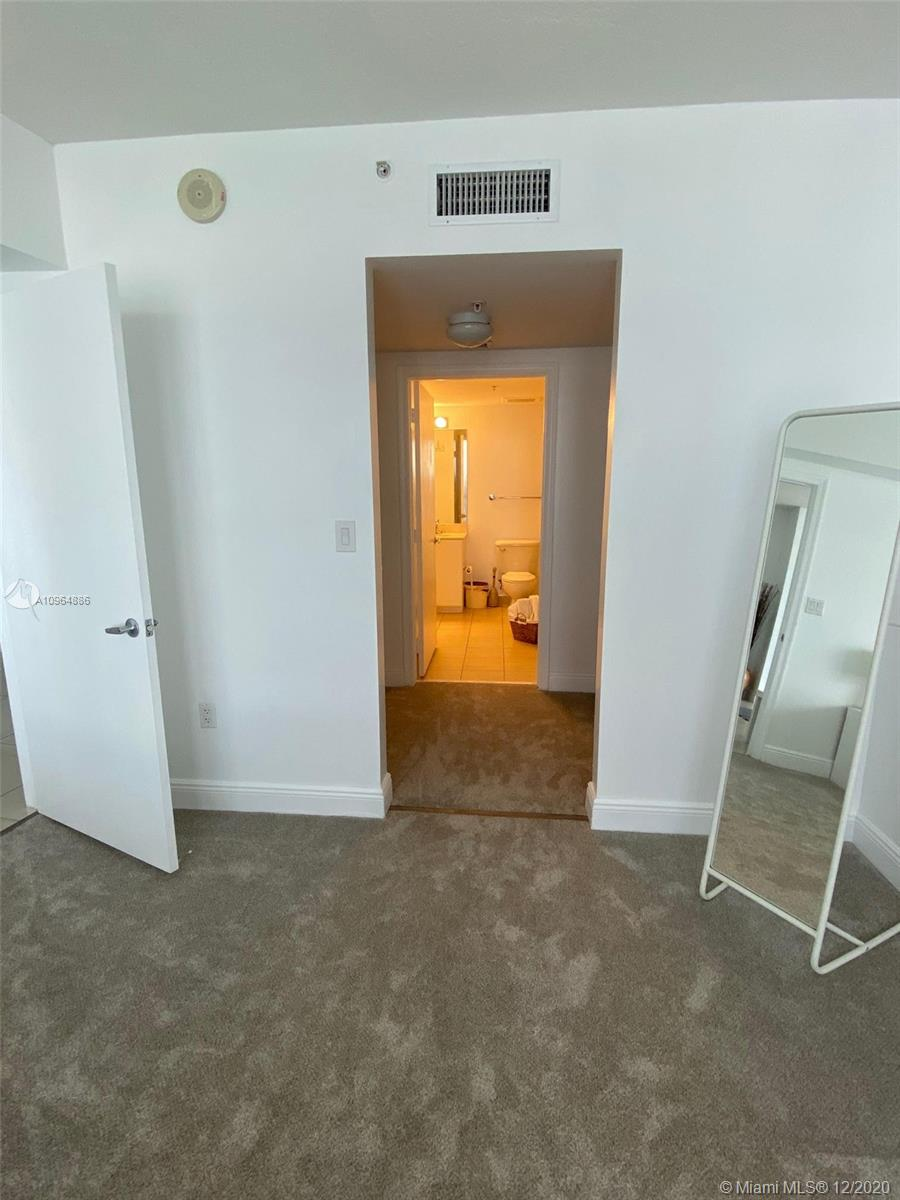 Photo of 1750 N Bayshore Dr #5412 listing for Sale