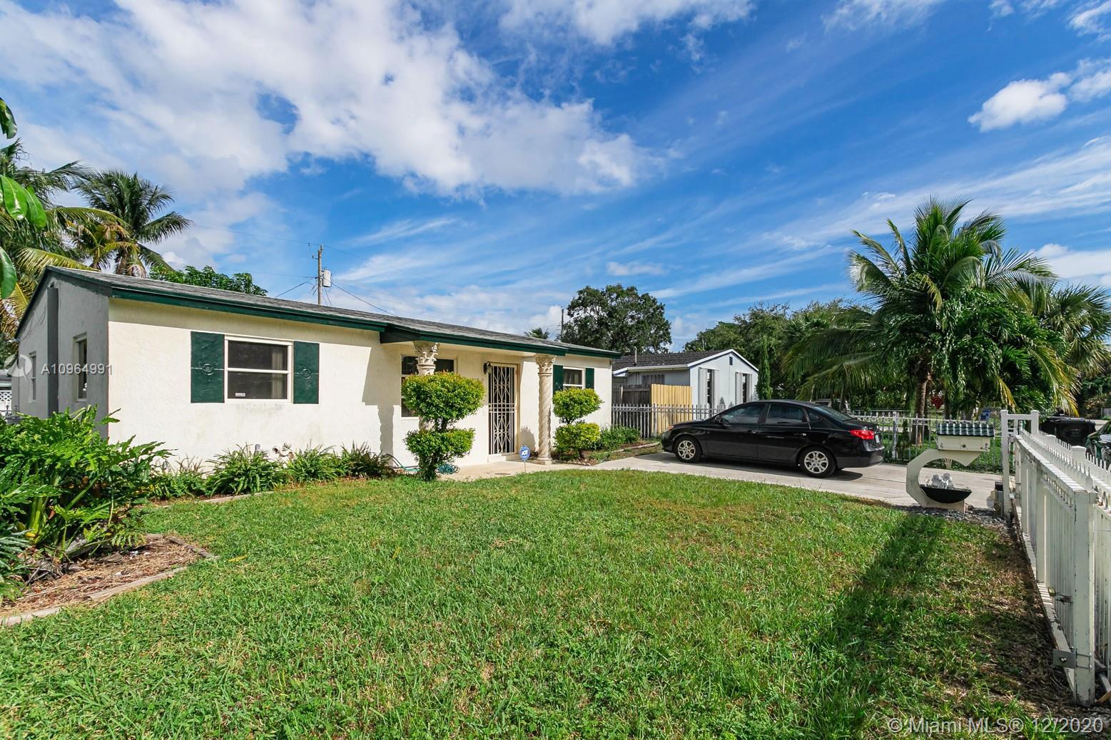 North Miami Beach - 1455 NE 154th St, North Miami Beach, FL 33162