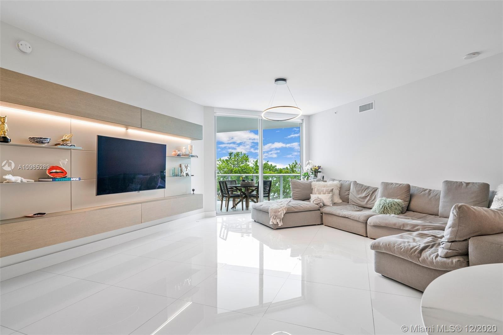 17111 Biscayne Blvd #204 photo04