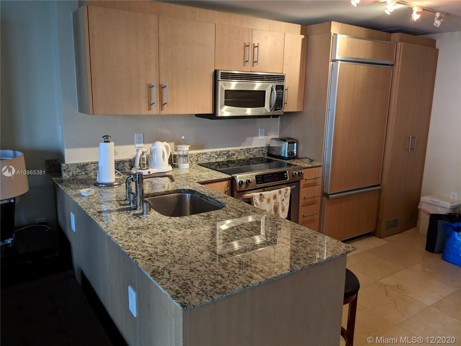 10275 Collins Ave #905 photo020